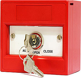 Red keyswitch 3 position, double pole, surface, plain, AUTO/OPEN/CLOSE