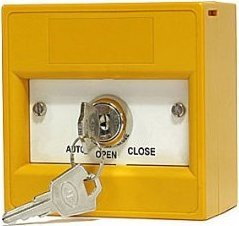 Yellow keyswitch 3 position, double pole, surface, smoke vent, AUTO/OPEN/CLOSE